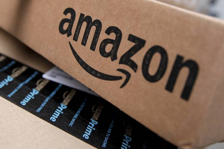 Amazon.com, Inc. (AMZN) Hits All-Time High; Analysts Think Could Reach $1000